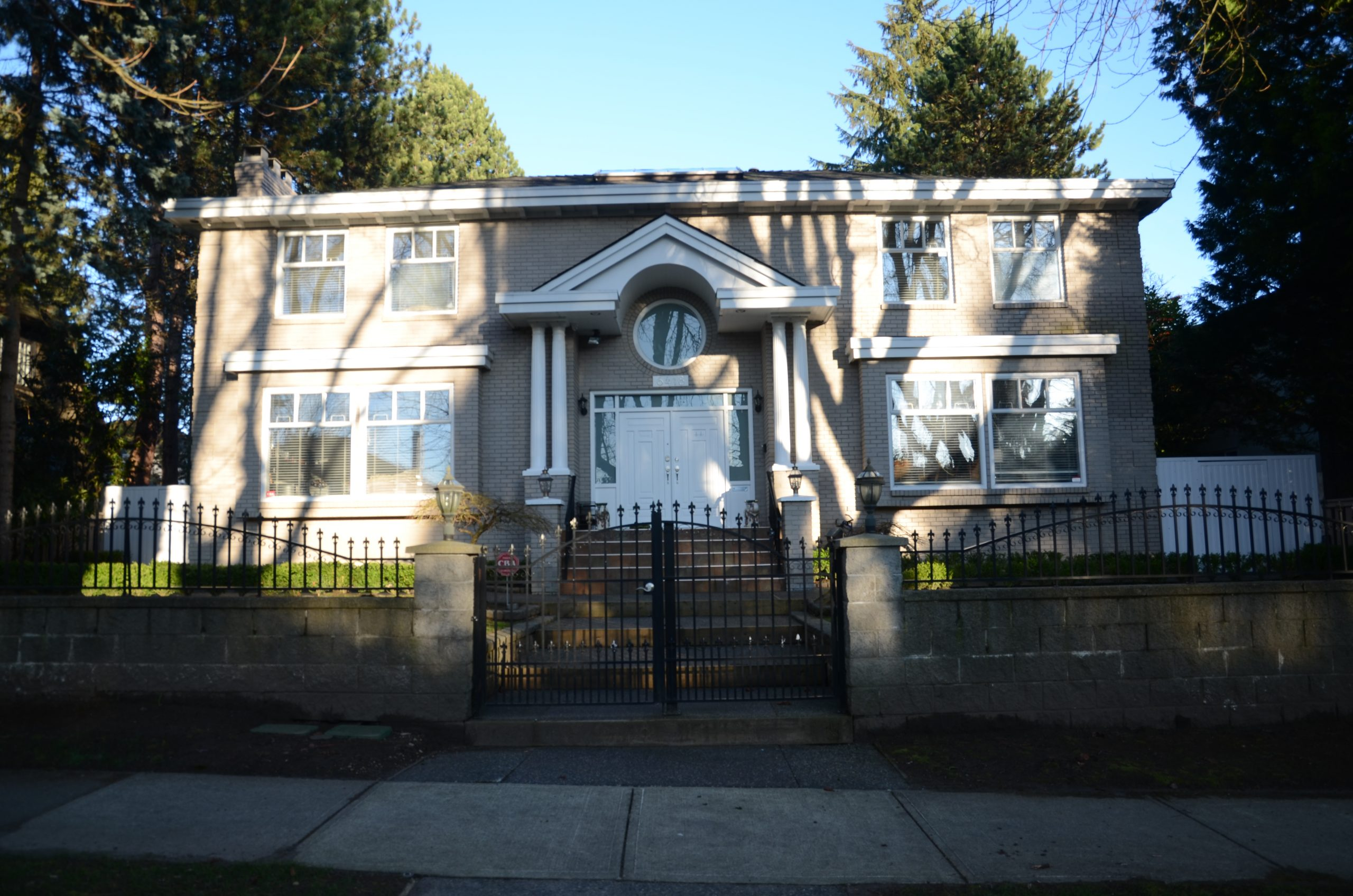 [LEASED] Vancouver West – Shaugnessey – 3 Beds – 2 Baths – 1800 ft2 – Lower Level of House