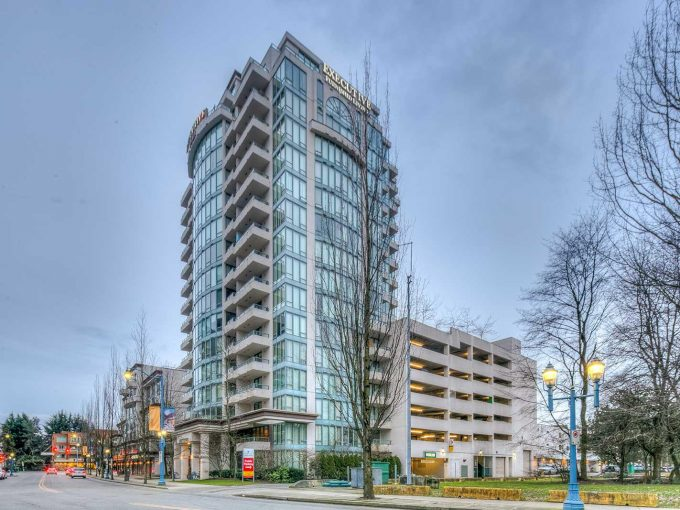 [LEASED] Richmond – 1+1 Beds – 1 Bath – Parking – 650 sq ft – Furnished – Executive Hotel Suite Condo