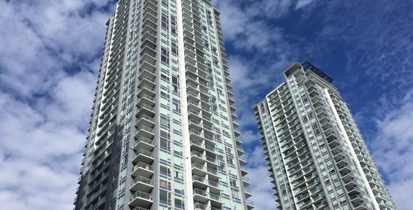 [LEASED] Surrey Center – 1 Bed – 1 Bath – Parking – 577 sq ft – Cozy Beautiful Condo