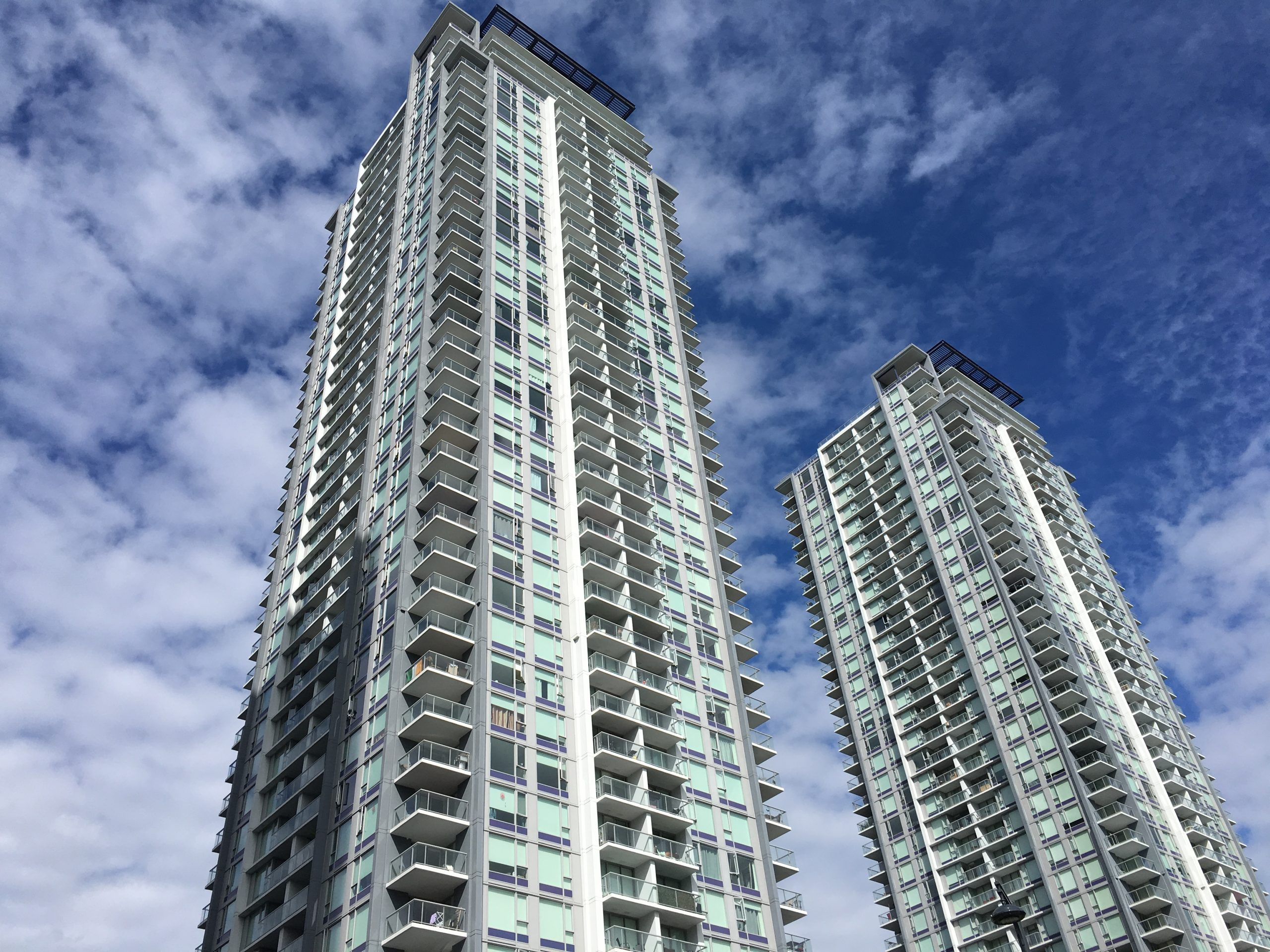 [LEASED] Park Place 2 by Concord Pacific – Surrey Center – 1 Bed – 1 Bath – Parking – 577 sq ft – Cozy Beautiful Condo