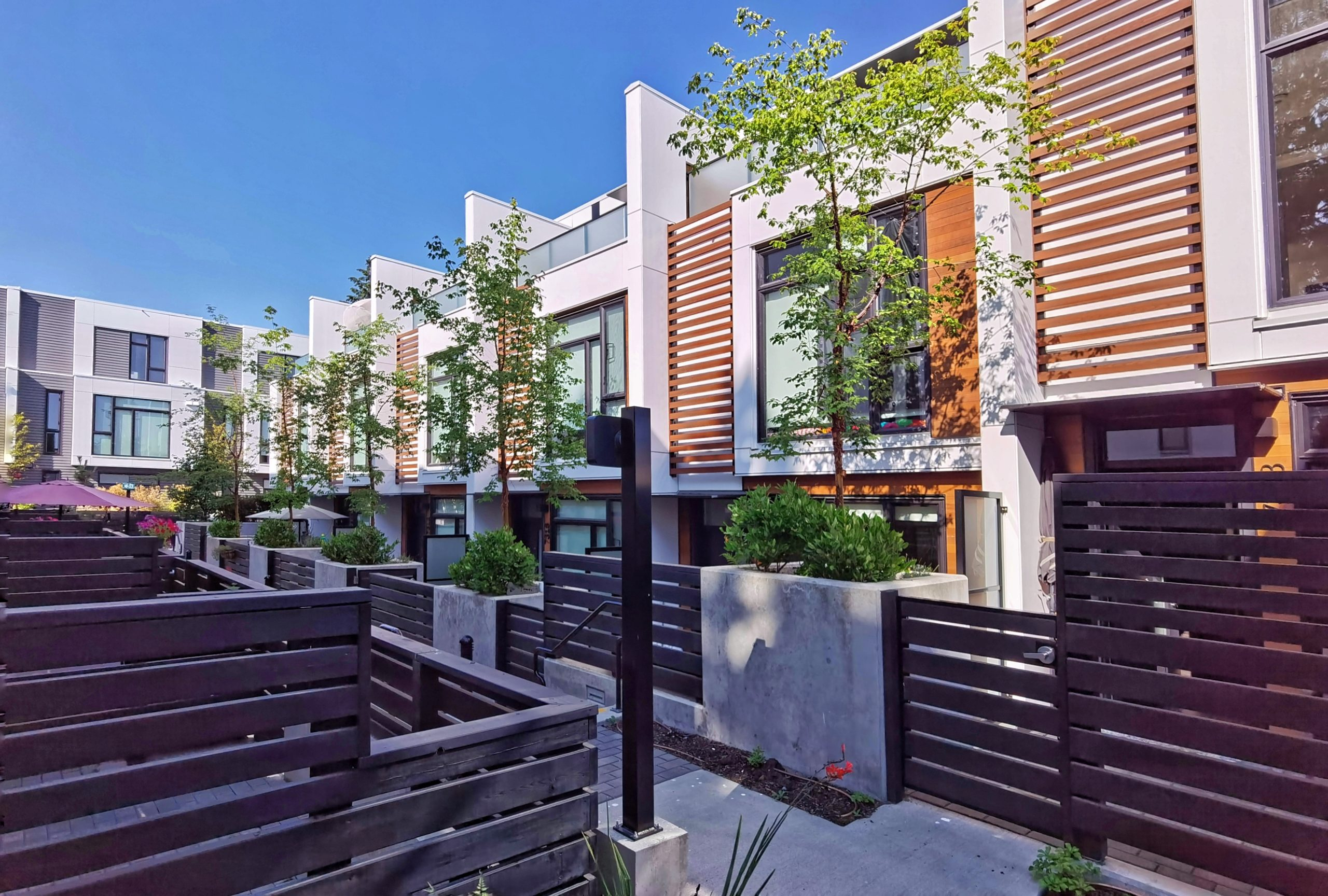[LEASED] Vancouver West – Granville – 2+1 Beds – 2.5 Baths – 1500 sq ft – Luxury Botique Townhome