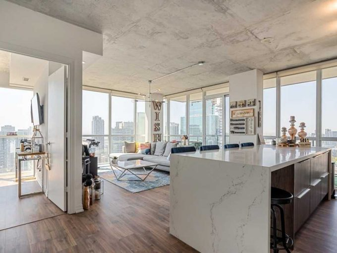 Downtown Toronto Entertainment District – Bisha Hotel Residence – 2 Bed 2 Bath – 980 sq ft